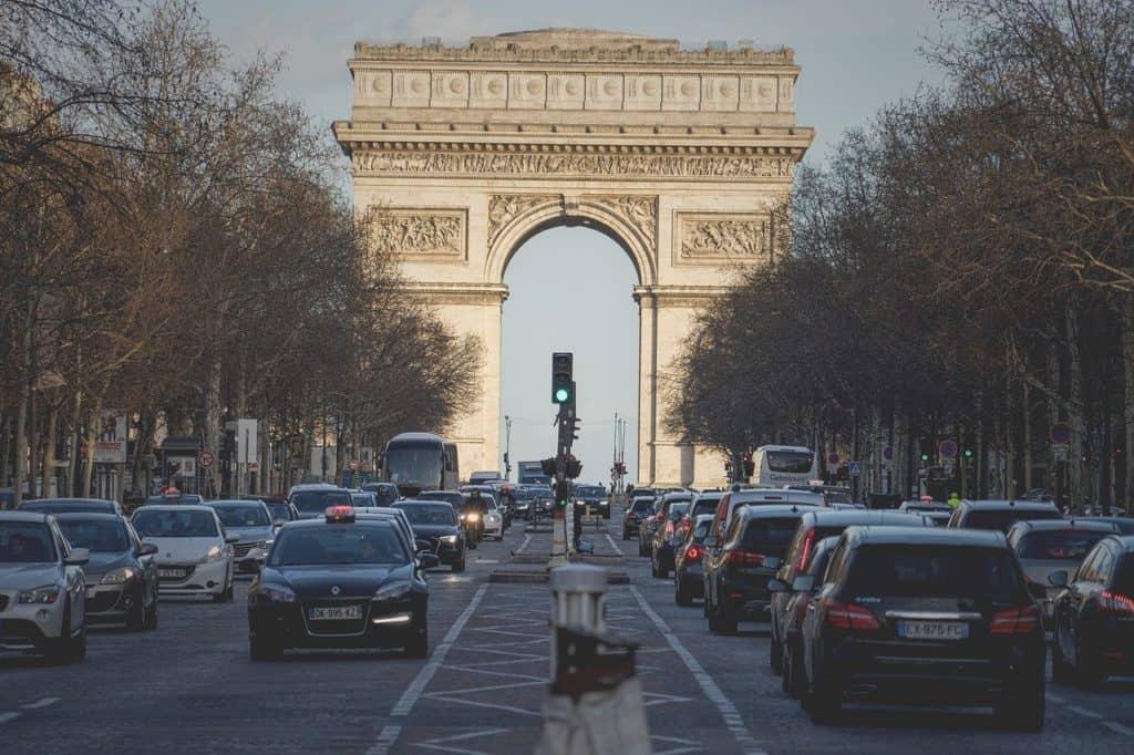 Arc de Triomphe things to do in paris bookonboard