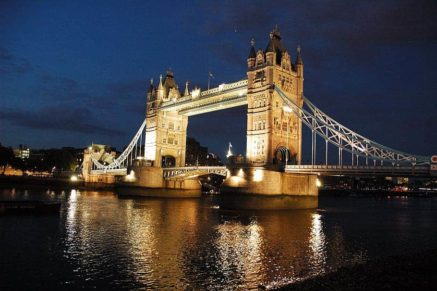 unique things to do in London BookonBoard