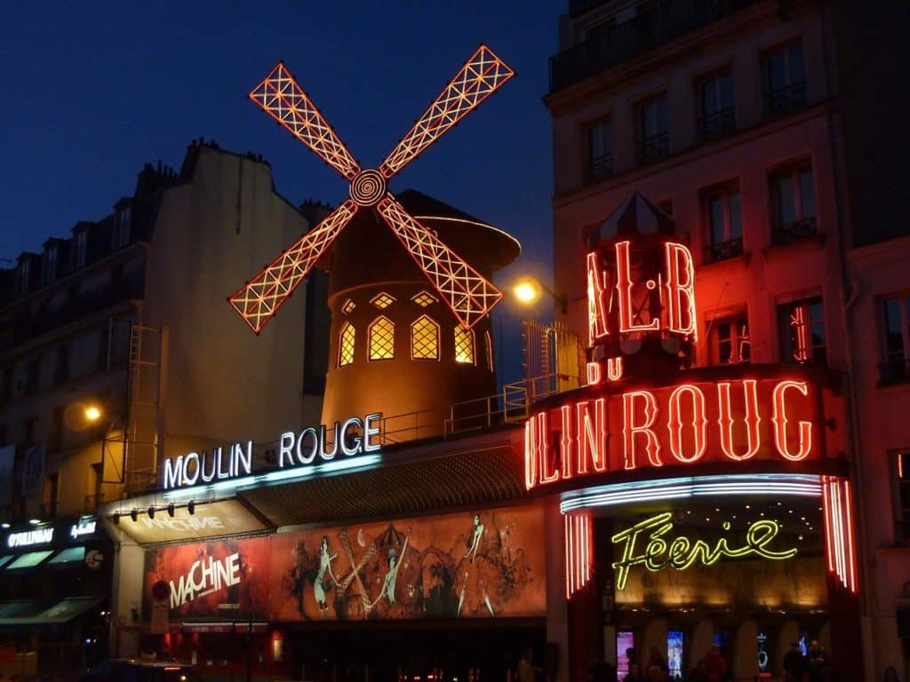 Moulin Rouge things to do in paris bookonboard