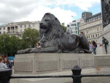 statues trafalgar square london travel guide bookonboard
