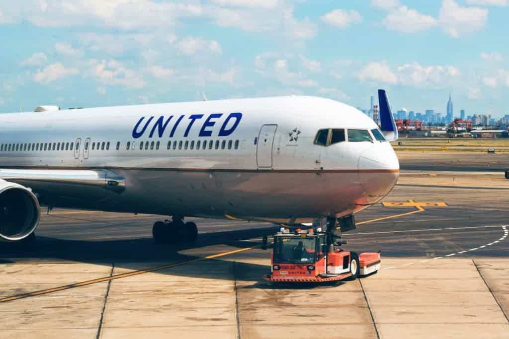 United Carry On Size, Weight, Fees & Limit Guide